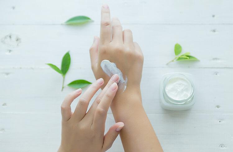 Зоните, които пренебрегваме в грижата за кожата